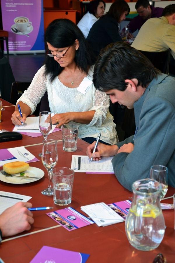 Denisa Švecová na setkání podnikatelského klubu Business for Breakfast.